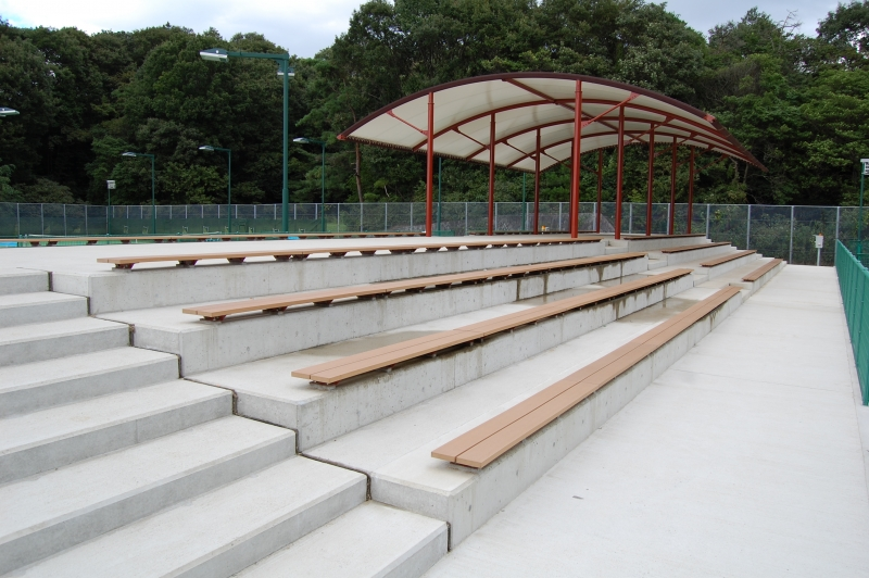 山城運動公園スタンドベンチ